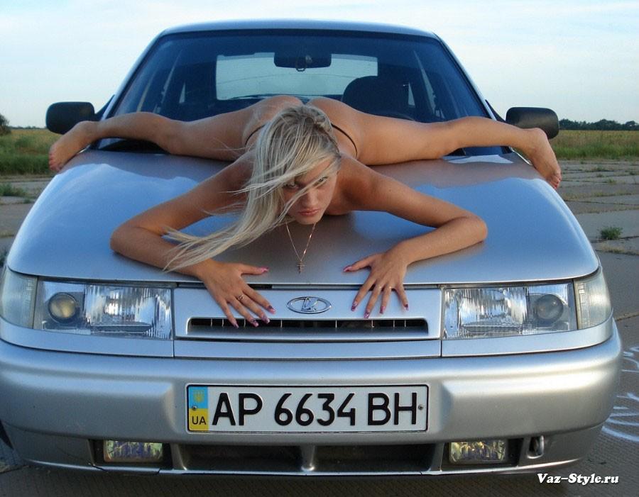 golie-devushki-i-avtomobili-vaz